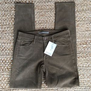 Vince Skinny Ankle Corduroy In sand size 27
